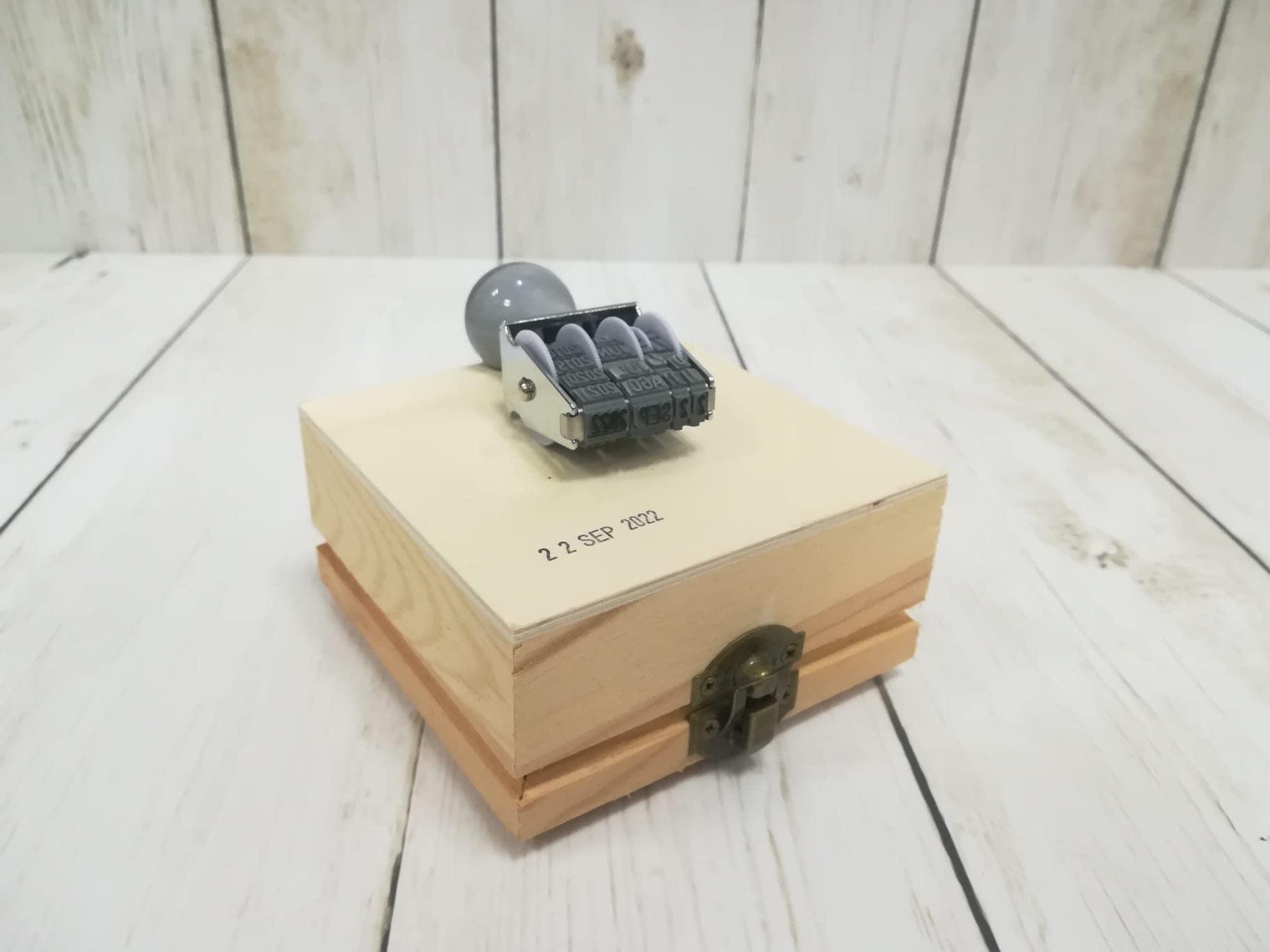 Sellos fechadores manuales para madera