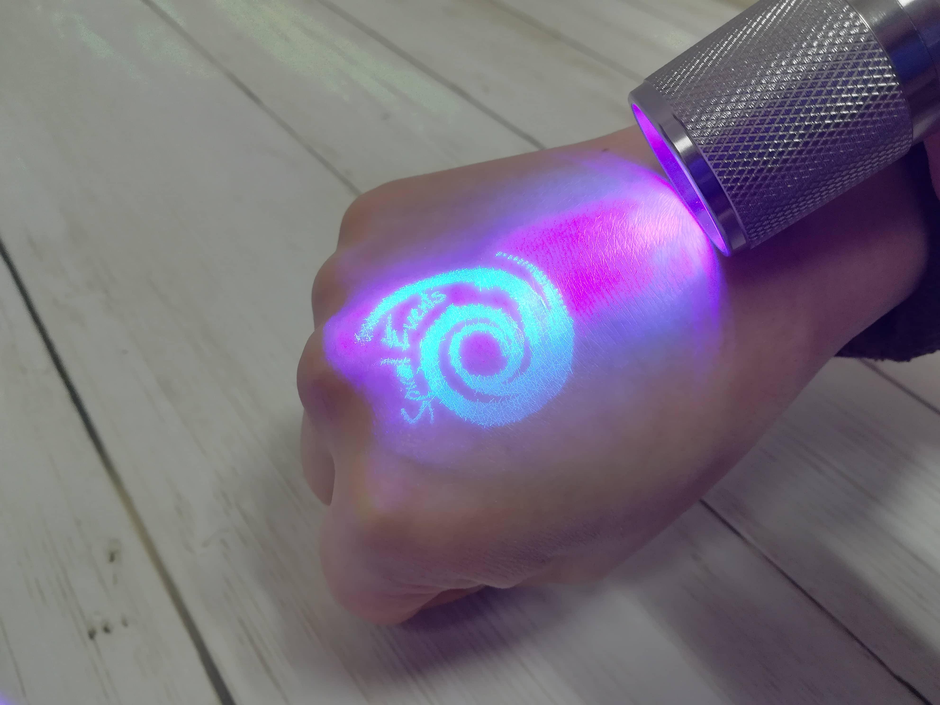 Sellos personalizados ultravioleta para manos